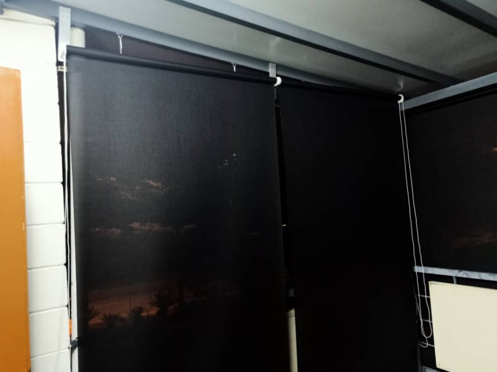 outdoor waterproof windproof exterior blinds for apartment and condominium balconies