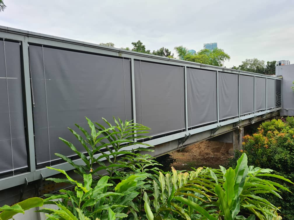 outdoor blinds for link bridges and big outdoor areas